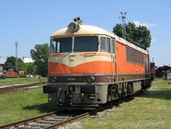 Diesel locomotive T679
